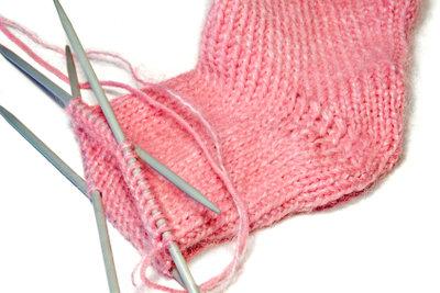 Mit selbstgestricken Socken Freude schenken