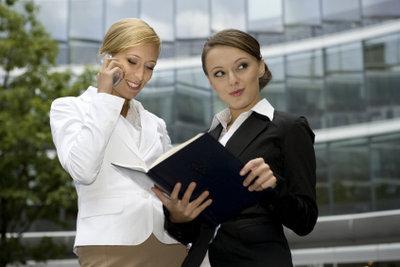 Der Unterschied zwischen Industriekauffrau und Bürokauffrau ist sehr gering.