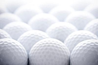 Das Verkaufen von gebrauchten Golfbällen ist sehr leicht.
