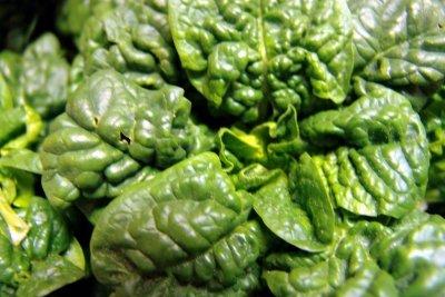 Aus Spinat können Sie grüne Lebensmittelfarbe machen.