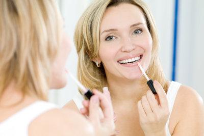 Lippenstift bei Herpes - mit Herpespflaster möglich.