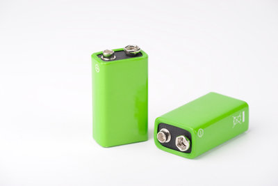 Auch in Batterien bilden sich Doppelschichten aus.
