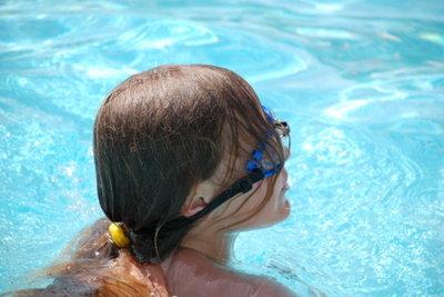 Mit Schnupfen sollten Sie nicht schwimmen.
