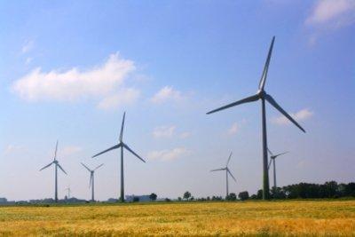 Auch in Windkraftanlagen sind Generatoren.