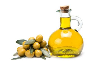 Speiseöl hat eine geringere Dichte als Wasser.