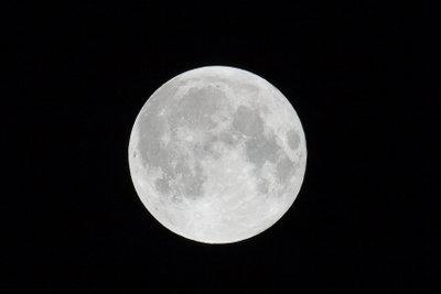 Mond-Kinderlaternen sind einfach zu basteln.