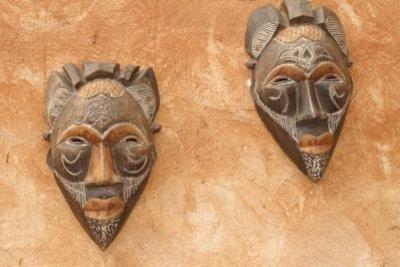 Afrikanische Masken - beim Kauf auf ein paar Dinge achten.