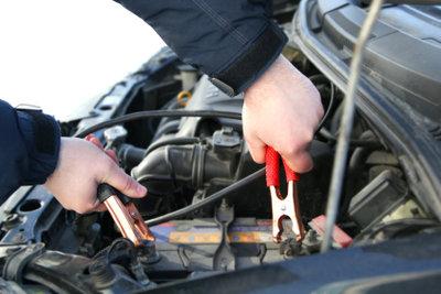 Das rechtzeitige Laden Ihrer Autobatterie erspart Ihnen eventuelles Fremdstarten.