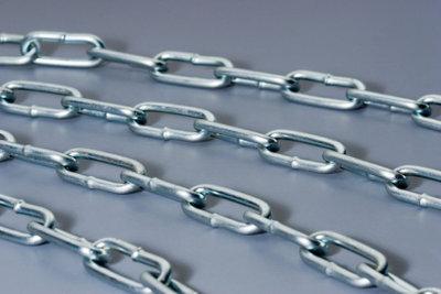 Gerissene Silberketten können Sie löten.