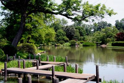 In wasserreicher Umgebung ist Grundwasser oberflächennah anzapfbar.