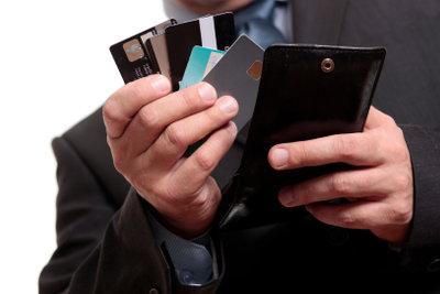 Kreditkartenverträge werden bei der Schufa erfasst.