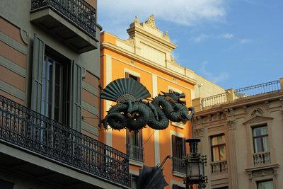 Gebäude an der La Rambla, der bekanntesten Straße Barcelonas