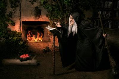 In der Hexennacht werden Streiche gespielt.