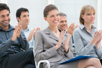 Durch PowerPoint wirken Vorträge professioneller.