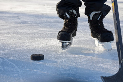Wie groß sollte ein Eishockeyschläger sein?