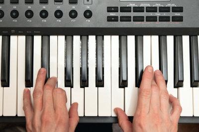 Noten und Instrumente einer MP3-Datei können Sie im MIDI-Format speichern.