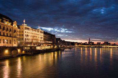Schweizerdeutsch spricht man schon in Basel.