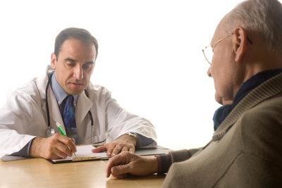 Ihr Arzt stellt Ihre Krankmeldung aus.
