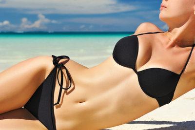 Lassen Sie sich Zeit für den Kauf eines Bikinis.
