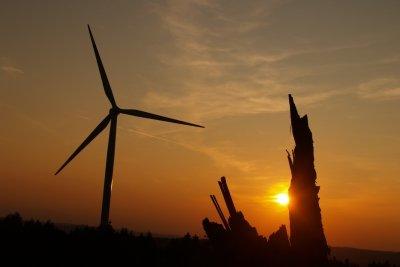 So gelingt ein Modell der Windkraftanlage.