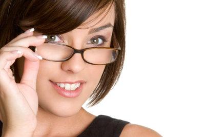 Ein passendes Brillenmodell harmoniert mit der Gesichtsform.