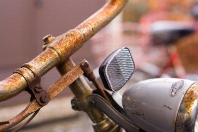 Den Fahrradlenker höher zu stellen geht einfach und schnell.