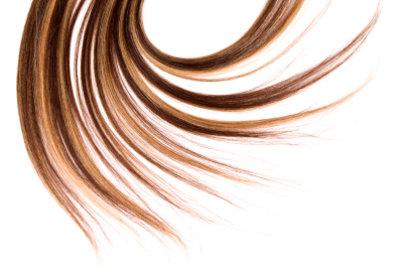Haare stufig schneiden ohne Friseur.