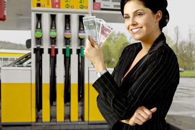 Werden teilweise von Tankstellen angeboten - Prepaid-Kreditkarten.