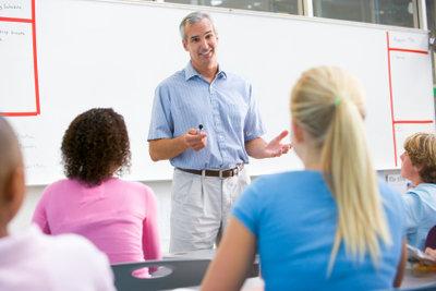 Das Gehalt von Lehrern richtet sich nach der Besoldungstabelle.