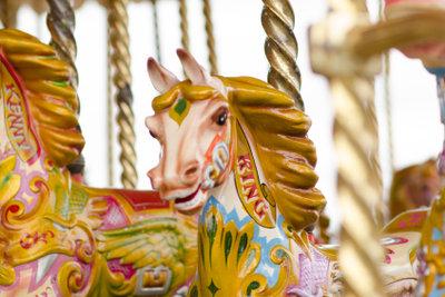 Auf Jahrmärkten dürfen Schausteller mit Karussells nicht fehlen.