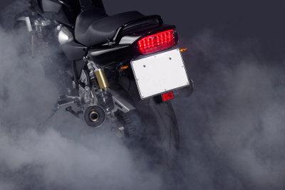 Motorrad-Kurzzeitkennzeichen machen das Überführen von abgemeldeten Zweirädern einfacher.