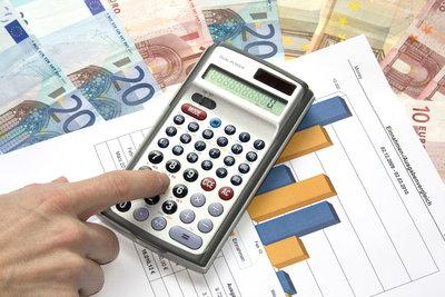 Beim Finanzamt befassen Sie sich mit schweren Steuerfällen.