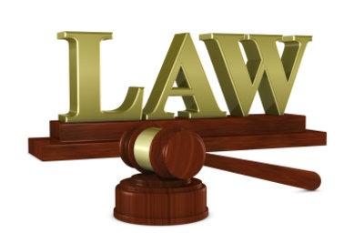 Der Gerichtskostenvorschuss muss vorher gezahlt werden.