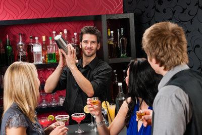 So klappt es mit mehr Trinkgeld als Barkeeper.
