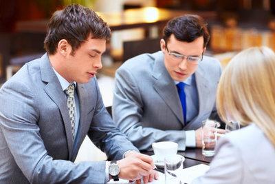 Gruppengespräche sind gängige Praxis bei Arbeitgebern.