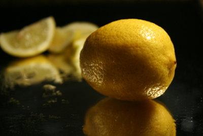An Vitamin C reiche Zitrusfrüchte helfen gegen Erkältung.