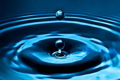 Entkalken Sie regelmäßig Ihren Wasserkocher, um dessen Lebensdauer zu verlängern.
