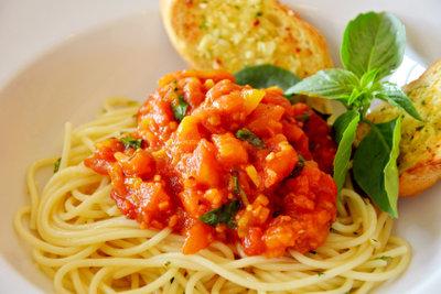 Bolognese-Soße gelingt auch mit Grünkern.