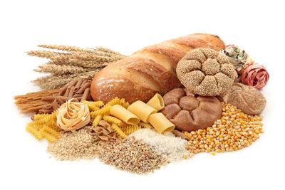 Stärke und Zucker sind wichtige Lieferanten von Kohlenhydraten.