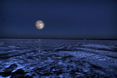 Der Mond fasziniert die Menschen seit jeher.