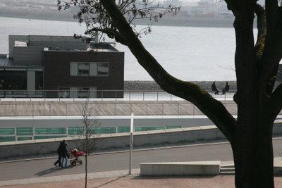 Am Hamburger Hafen befinden sich mehrere Parkhäuser.