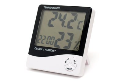Mit einem Hygrometer haben Sie die Luftfeuchtigkeit im Blick.
