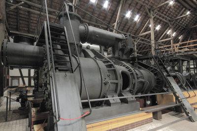 Dampfmaschinen erreichen nur einen geringen Wirkungsgrad.