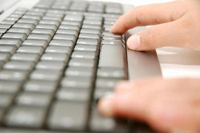 Mit der NumLock-Taste aktivieren Sie den Ziffernblock auf der Tastatur.