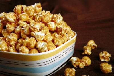 Selbst gemachtes Popcorn ist lecker.