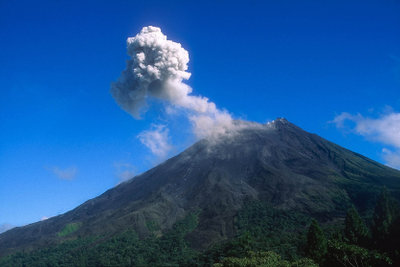 Vulkane können sehr verschieden sein.
