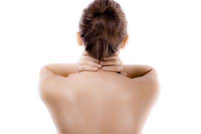 Gegen knackende Muskeln im Nacken hilft Training.