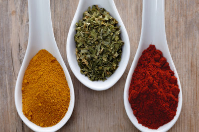 Das Currypulver erkennen Sie unter allen Gewürzen sofort.