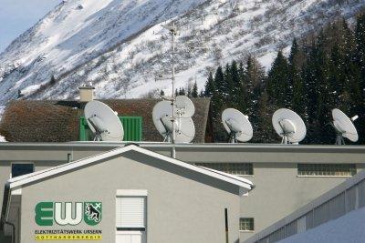 Satellitenschüsseln müssen auch im Winter schneefrei sein.