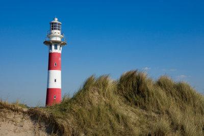 Der Leuchtturm an der flämischen Nordseeküste.